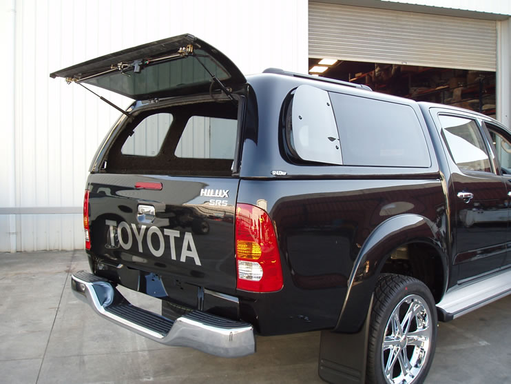 The Supersport Canopy has frameless curved glass windows and a finished edge that blends into the truck tub. Supersport fits as if it belongs on your Hilux ... & Toyota Hilux Canopy u2013 Supersport | SnugTop